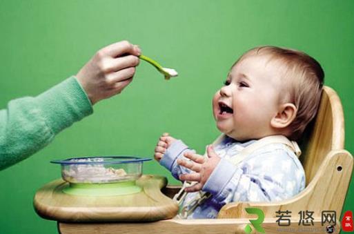 有些辅食易造成宝宝营养不良 宝宝日常辅食推荐