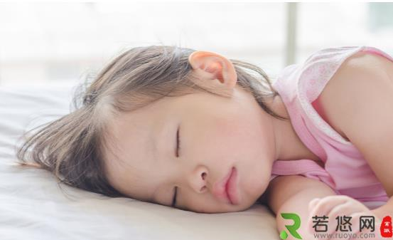 睡得好好的突然感觉一脚踩空 专家带你揭秘这种症状的原因