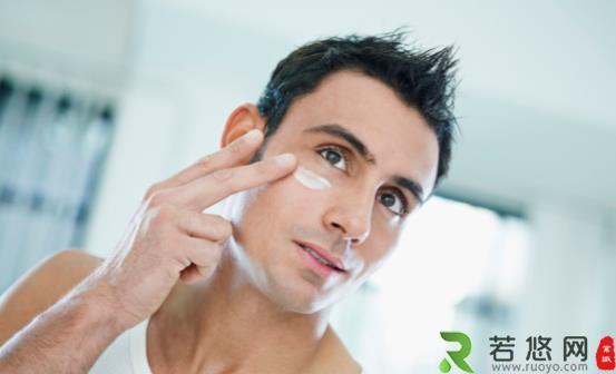 皮肤暗哑或肤色偏黑的原因为何 男生美白的最快方法推荐