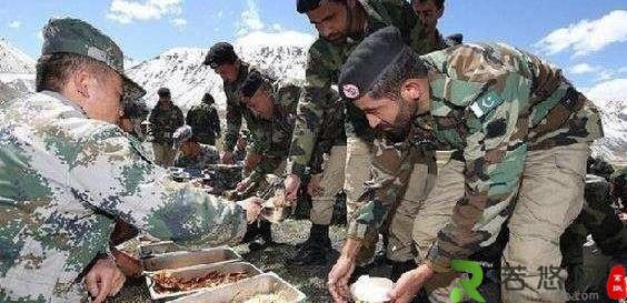 世界上唯一一个对中国不设防的国家,中巴两国官兵经常串门吃饭