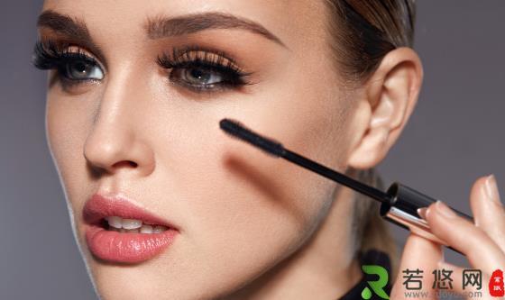 睫毛膏的使用技巧 预防脱落的睫毛膏涂抹法