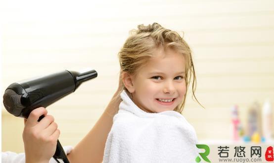 为啥妹子们青睐日系电吹风 负离子吹风机让你的秀发变听话