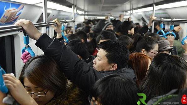 上班途中怎么预防被传染新冠病毒肺炎?挤地铁会被传染吗?