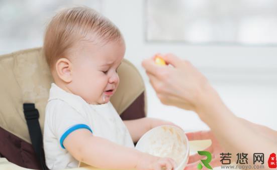 盘点婴儿辅食添加的禁忌 长期吃瓶装糊状辅食并不健康