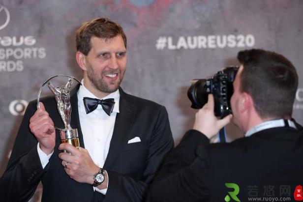 诺天王德克-诺维茨基成首位获劳伦斯体育终身成就奖篮球运动员