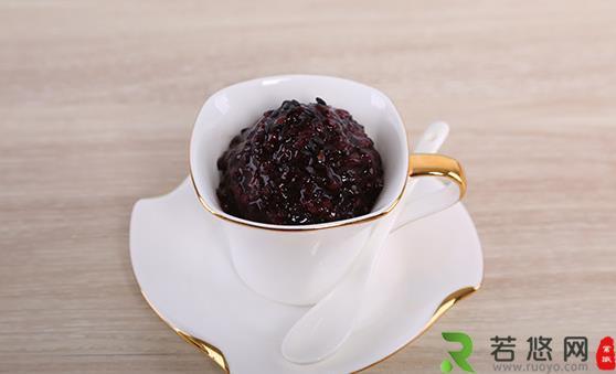黑米粥的功效与作用 煮出好喝的黑米粥妙招