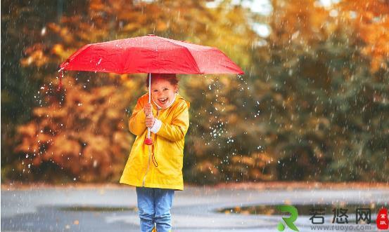让雨伞长寿从科学保养开始 雨伞去污有诀窍