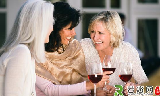 女人喝葡萄酒养生 常喝葡萄酒的7个好处