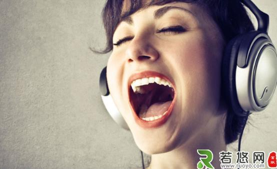 唱歌发烧友保护嗓子 唱前先热身少唱高音