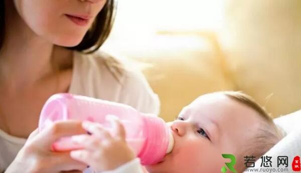 宝宝喝奶粉的常识性错误,别再犯了